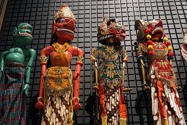 世界各地の信仰、芸能など興味深い展示がてんこ盛り